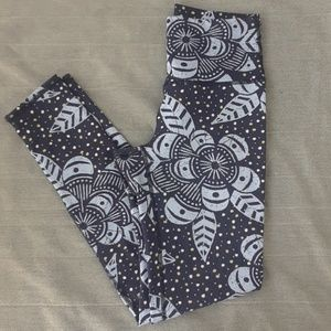 Aerie Chill.Play.Move Leggings size M